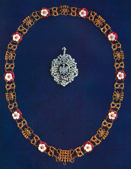 Blue Background「The Lord's Mayor's Badge and Collar, 1916.」:写真・画像(9)[壁紙.com]