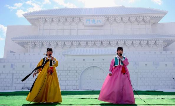 Mombetsu Ice Festival「Koizumi Visits Sapporo Snow Festival」:写真・画像(19)[壁紙.com]