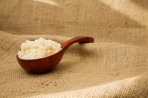 Long Grain Rice「Long Grain Rice in a Chinese bowl on hessian sack cloth.」:スマホ壁紙(16)