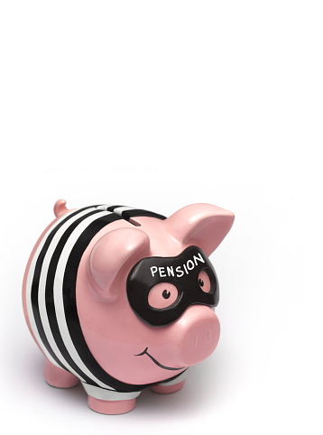 Thief「Pension burglar piggy bank close up」:スマホ壁紙(2)