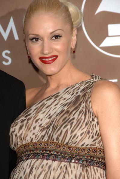 Strap「48th Annual Grammy Awards - Arrivals」:写真・画像(13)[壁紙.com]