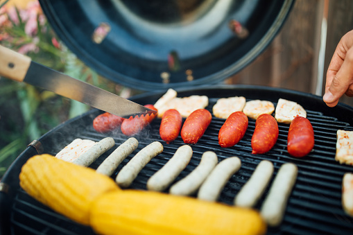 Grilled「Cooking sausages on barbecue grill for party」:スマホ壁紙(5)