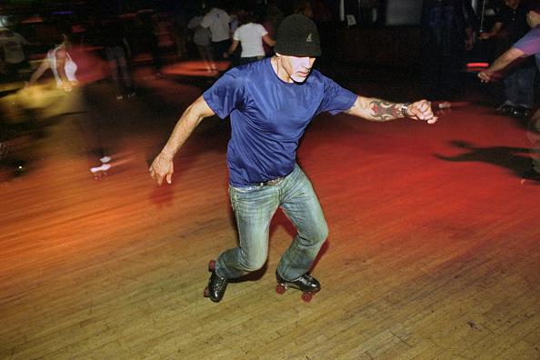 Jose Lopez「Roxy Rink」:写真・画像(1)[壁紙.com]