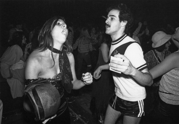 Clubbing「Dancing At The Carnival Ball」:写真・画像(6)[壁紙.com]