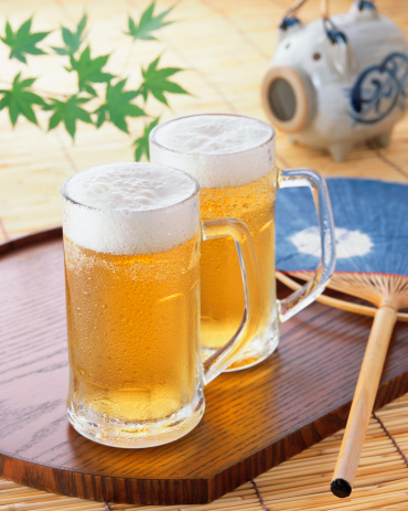 Beer「Two glasses of draft beer」:スマホ壁紙(15)