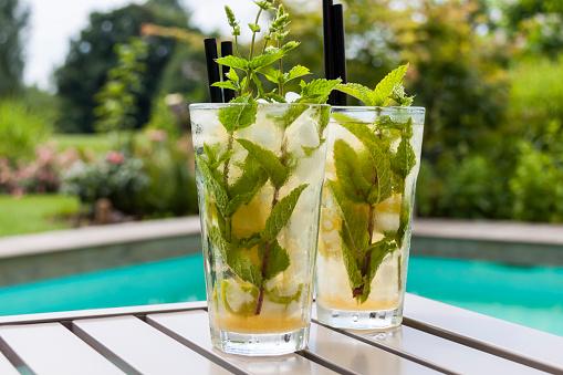 Tonic Water「Two glasses of Mojito」:スマホ壁紙(10)
