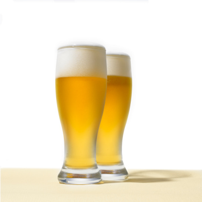 Two Objects「Two glasses of beer」:スマホ壁紙(6)