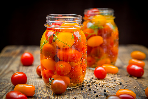 Pickled「Two glasses of pickled tomatoes」:スマホ壁紙(19)