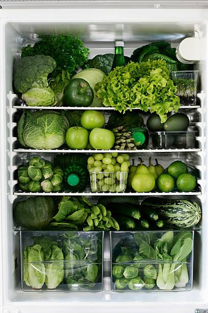 Fidge filled up with green vegetables and fruit:スマホ壁紙(壁紙.com)