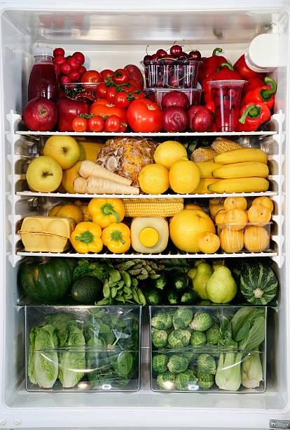 Fidge filled up with vegetables and fruit sorted by colour:スマホ壁紙(壁紙.com)