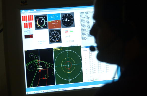 Computer Monitor「NASA Tests Unmanned Aircraft Collision Avoidance」:写真・画像(4)[壁紙.com]