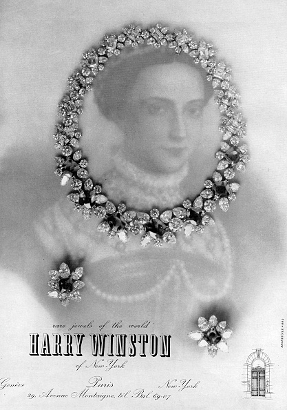 Harry Winston「Advert in english for the jewels and jewelry store Harry Winston, in Paris , Geneve and New York, publishing during the 1960's」:写真・画像(0)[壁紙.com]
