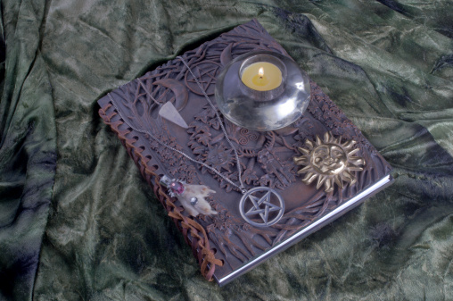 Evil「Book of Shadows」:スマホ壁紙(6)