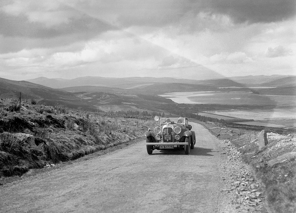 CG「Lagonda open tourer of CG Seddon competing in the RSAC Scottish Rally, 1934」:写真・画像(0)[壁紙.com]