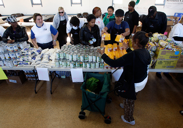 Holiday - Event「U.S. Food Banks Face Major Shortages As Holiday Season Arrives」:写真・画像(10)[壁紙.com]