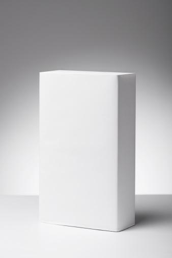 箱「空白のラベルが貼られた製品にニュートラルホワイトにグレイのグラデーションの背景」:スマホ壁紙(12)