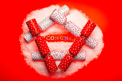Christmas Cracker「Corona Christmas with Christmas crackers」:スマホ壁紙(6)