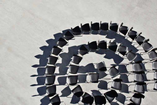 Continuity「Office chairs in spiral formation」:スマホ壁紙(7)