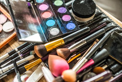 Choice「Make-up brushes and Powder」:スマホ壁紙(5)