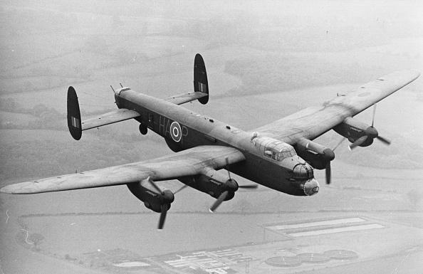 Stealing - Crime「Lancaster Bomber」:写真・画像(16)[壁紙.com]
