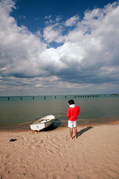 Great Lakes「Public Beaches Open In Chicago」:写真・画像(16)[壁紙.com]