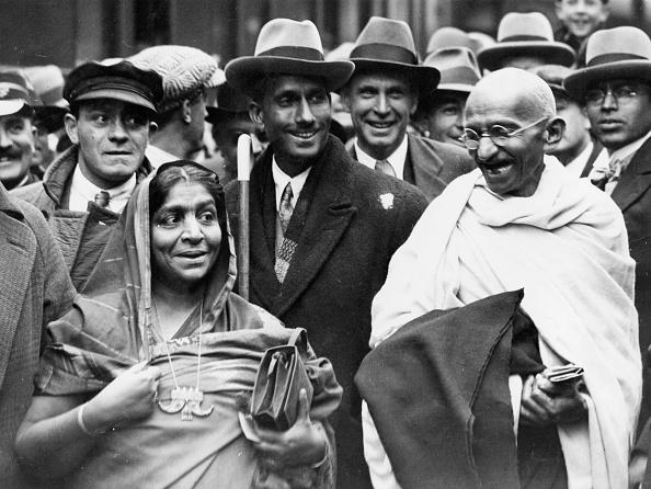 Douglas Miller「Mohandas Gandhi」:写真・画像(4)[壁紙.com]