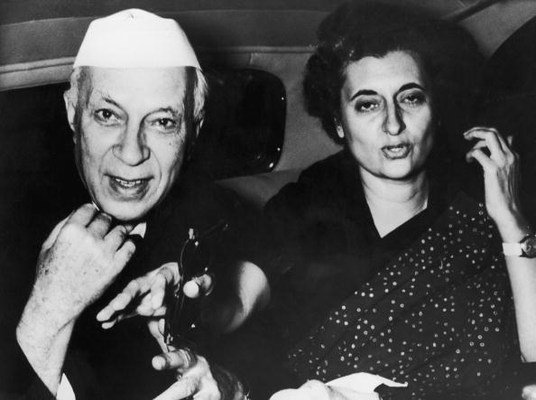 Indian Subcontinent Ethnicity「Indira Gandhi With Nehru」:写真・画像(9)[壁紙.com]