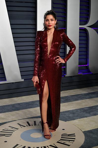 Freida Pinto「2019 Vanity Fair Oscar Party Hosted By Radhika Jones - Arrivals」:写真・画像(7)[壁紙.com]