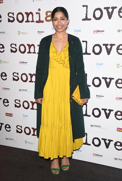 "Freida Pinto「""LOVE SONIA"" UK Premiere - Red Carpet Arrivals」:写真・画像(19)[壁紙.com]"