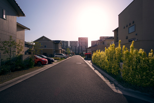 昼間「Newly built neighborhood in suburban Osaka, Japan」:スマホ壁紙(13)