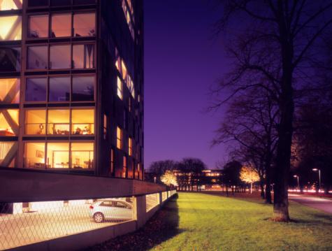 North Brabant「Newly built apartment building at dusk.」:スマホ壁紙(8)