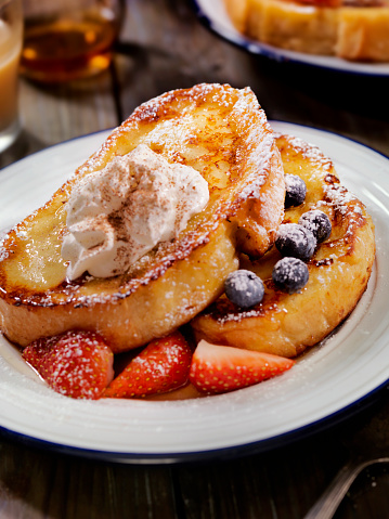 French Toast「French Toast with Maple Syrup and Berries」:スマホ壁紙(5)