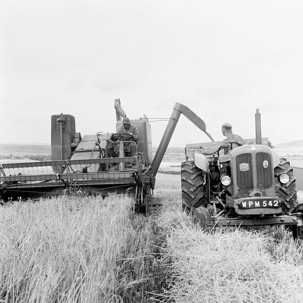 Combine Harvester「Barley Harvest」:写真・画像(13)[壁紙.com]