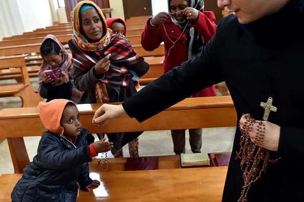 Priest「Situation Critical After Hundreds Of Migrants Arrive On Lampedusa Following Rescue Operation」:写真・画像(15)[壁紙.com]