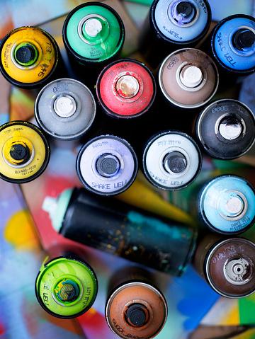 Spraying「Spray Paint Cans」:スマホ壁紙(19)