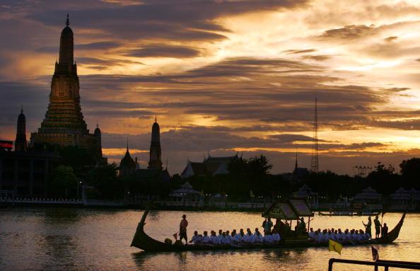 バンコク「Thailand celebrates King's 60th Anniversary」:写真・画像(5)[壁紙.com]