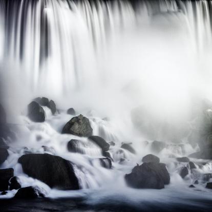 Spraying「Close-up, Niagara Falls」:スマホ壁紙(6)
