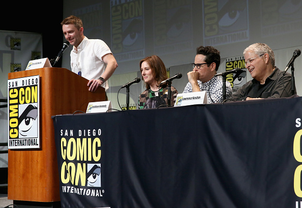 Star Wars Series「Star Wars: The Force Awakens Panel At San Diego Comic Con - Comic-Con International 2015」:写真・画像(17)[壁紙.com]