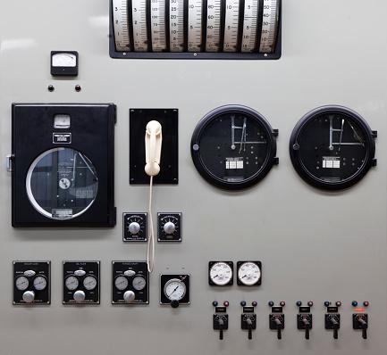 Push Button「Control panel. Toppstodin-Old Reserve Power Station, Reykjavik, Iceland」:スマホ壁紙(17)