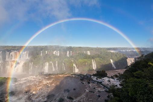 虹「South America, Brazil, Parana, Iguazu National Park, Iguazu Falls and rainbow」:スマホ壁紙(9)