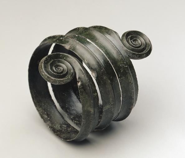Wrought Iron「Turned Armilla」:写真・画像(12)[壁紙.com]