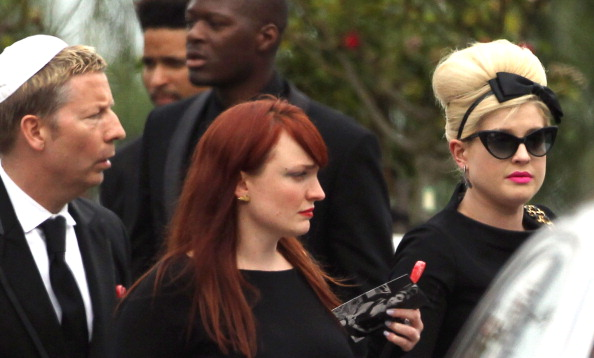 Dan Kitwood「Family And Friends Attend The Funeral Of Singer Amy Winehouse」:写真・画像(0)[壁紙.com]