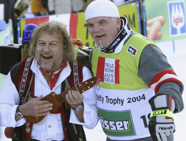 Ski-Wear「Celebrities At Hahnenkamm Ski Races In Kitzbuehel」:写真・画像(18)[壁紙.com]