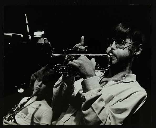 Agricultural Building「Chris Hunter (saxophone) and Guy Barker (trumpet) playing at The Stables, Wavendon, Buckinghamshire. .」:写真・画像(11)[壁紙.com]