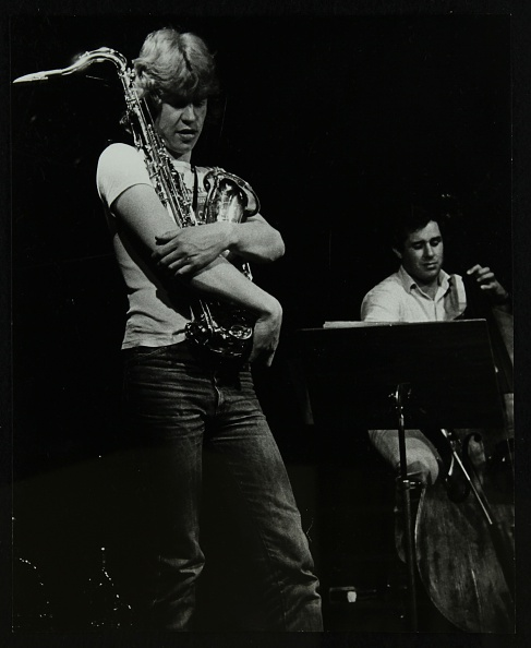 Agricultural Building「Chris Hunter and Chris Laurence on stage at The Stables, Wavendon, Buckinghamshire. .」:写真・画像(18)[壁紙.com]