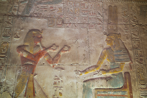 Undertaker「Bas-relief, Pharaoh Seti I (left), God Amun (right), Temple of Seti I」:スマホ壁紙(8)