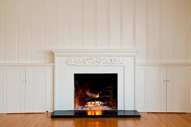 Traditonal Fireplace In Empty Room:スマホ壁紙(壁紙.com)