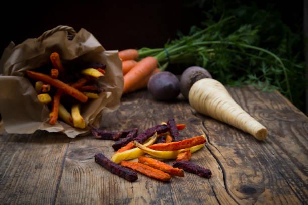 Organic beetroot, carrot and parsnip fries:スマホ壁紙(壁紙.com)