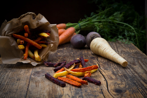 Carrot「Organic beetroot, carrot and parsnip fries」:スマホ壁紙(15)