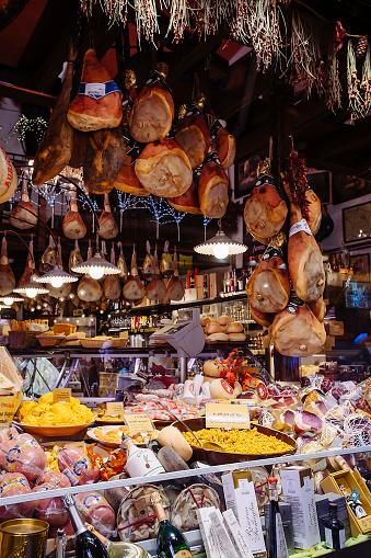 St「Abundance of food at deli in market」:スマホ壁紙(18)